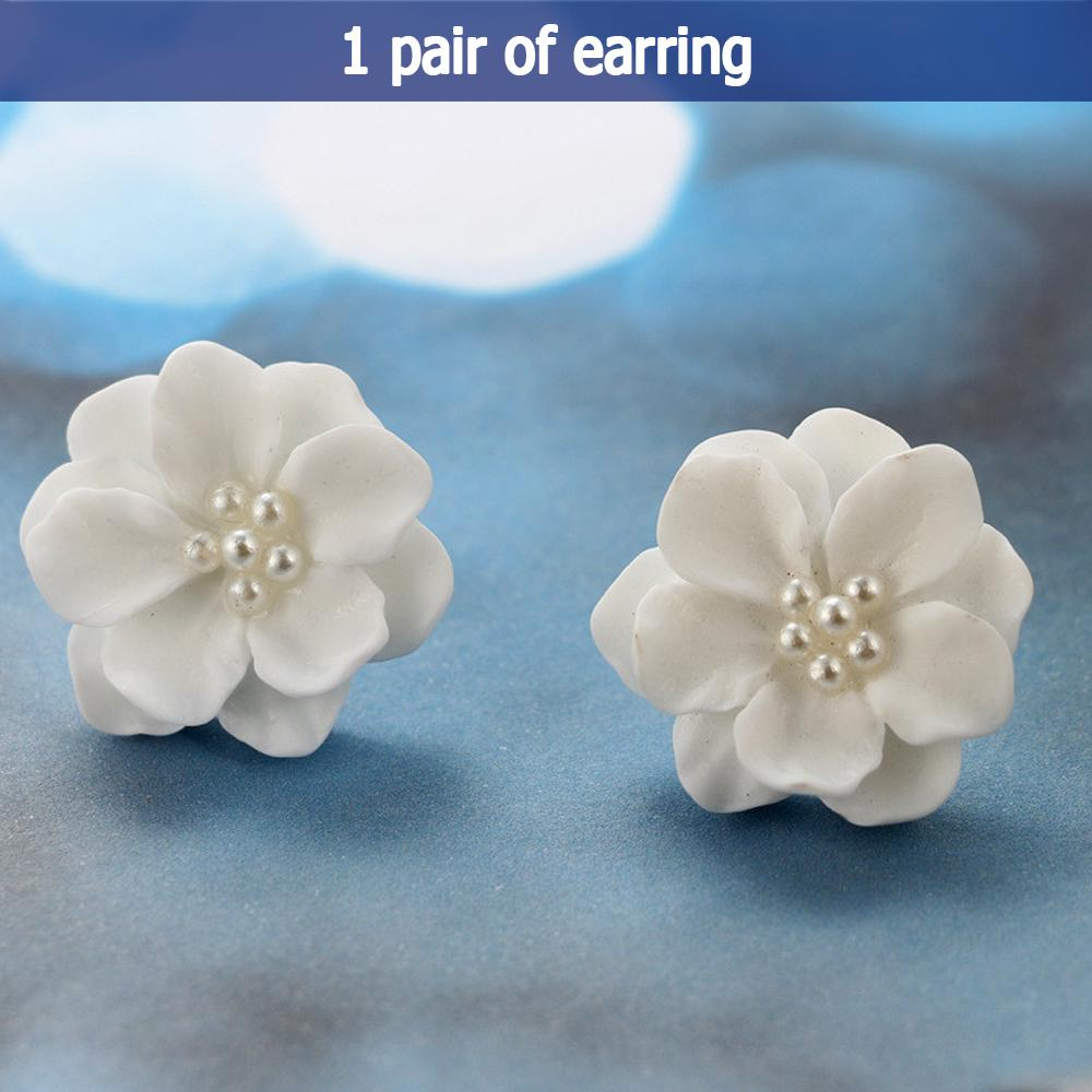 HOT SALE Fashion Lovely white Flower Pearl Circle Stud Earrings