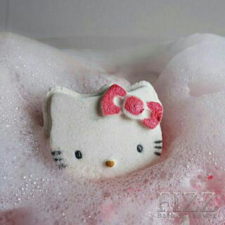2 IN 1 Set Hello Kitty & Melody / Bath bomb