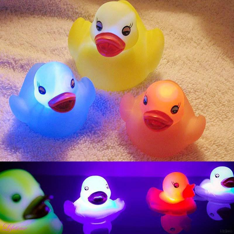 Random Color Rubber Duck LED Light Baby Bath Toys New Float Water Swimming Play