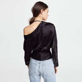 Haoduoyi sexy single hung dew shoulder neck clothes wrapped in shiny gloss asymmetric type shirt