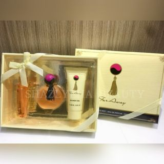 SE PERFUME SET 3 IN 1 (FAR AWAY)
