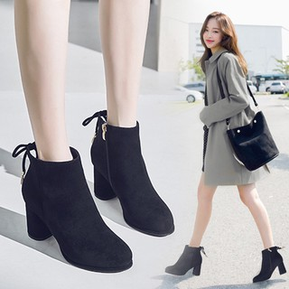 ▲Female flower Carla thick with short boots joker plus velvet shoes in the fall and winter of 2019 new bow high-heel
