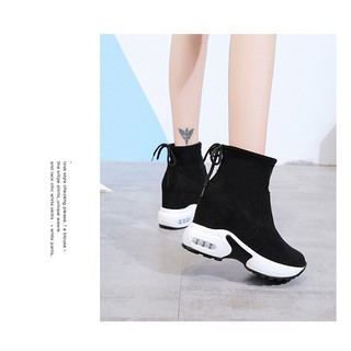 Inside women's shoes,elevated fashionable casual shoes,velveted protective warm boots,elevated slim Martin boots