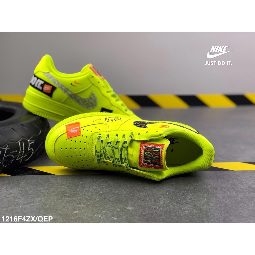 mieux aimé 0fc65 d19c1 Nike air force one fluorescent green patch embroidered graff