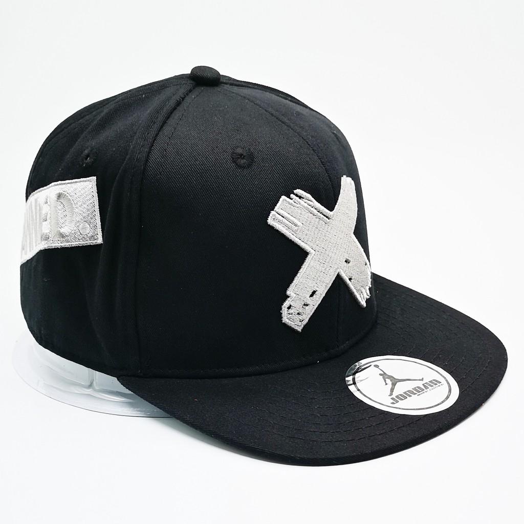 466eef817 Nike Air Jordan Banned Men Women Snapback Cap w adjustable strap (Black  White)