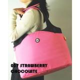 "Hugger Strawberry 14"" Laptop Tote Bag"