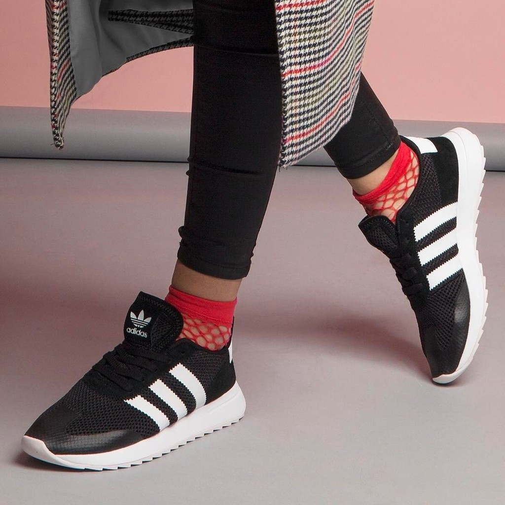 new product 7da1c 23866 Authentic Adidas Flashback W BB5323 leisure breathable running shoes   Shopee Malaysia