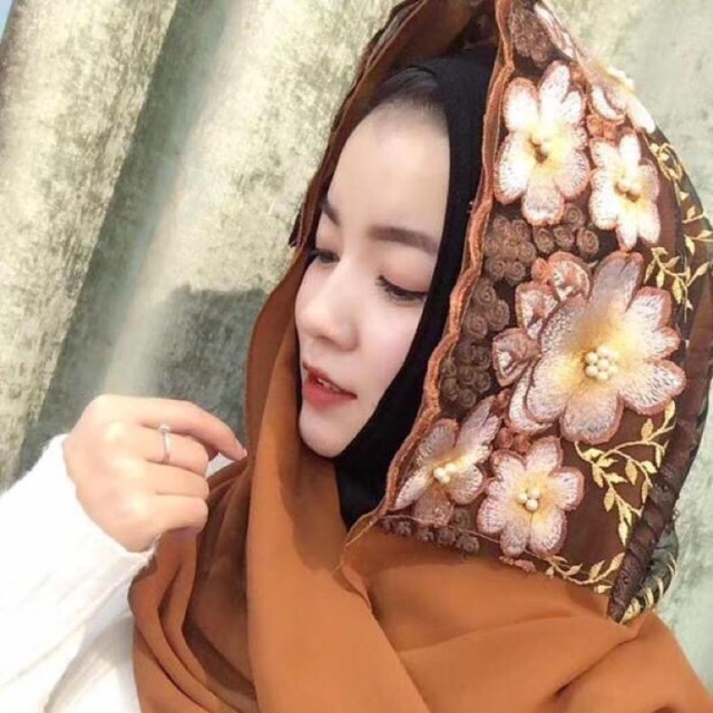 Premium Quality Floral Tudung Bawal / Embroidery Simple Hijab / Muslim Shawl
