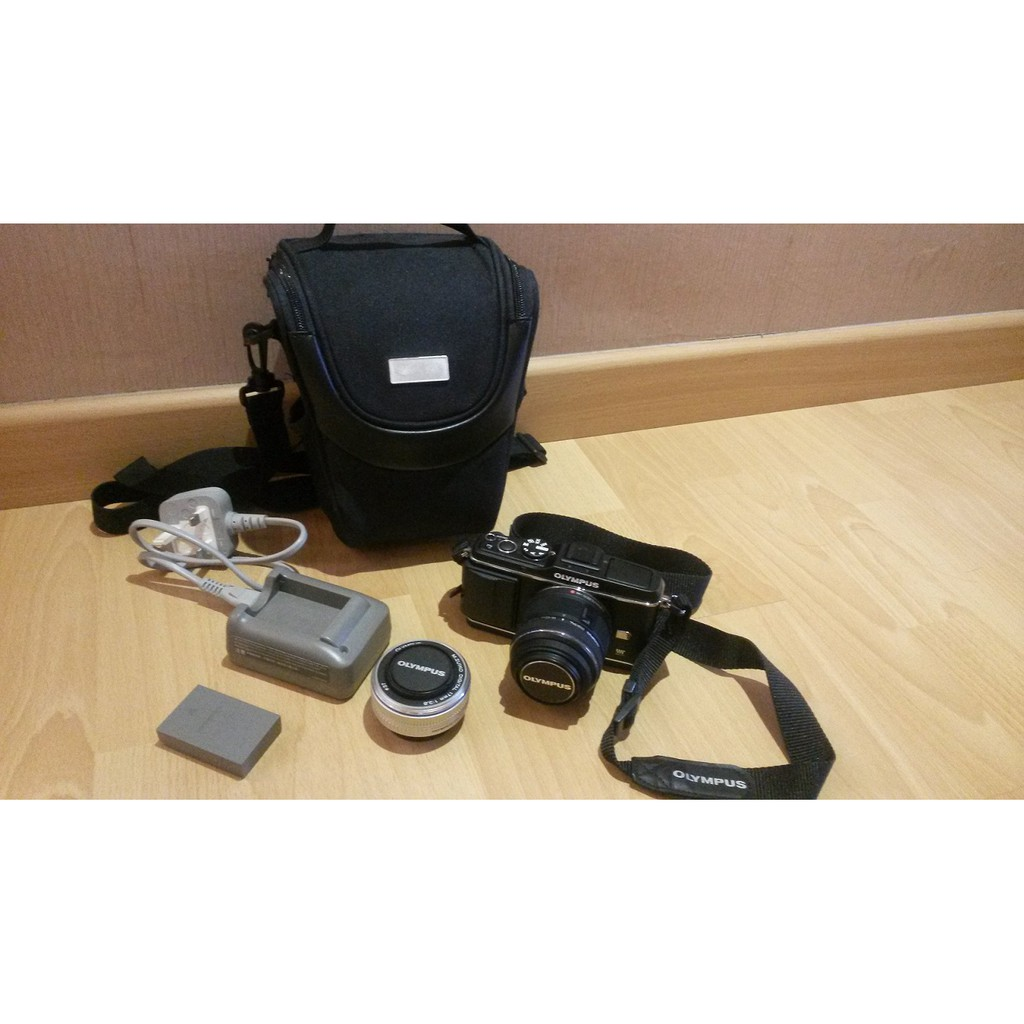 Olympus E-P3 Camera with 2 lens 14-42 kit lens & 17mm 2.8 lens (USED 2/10)