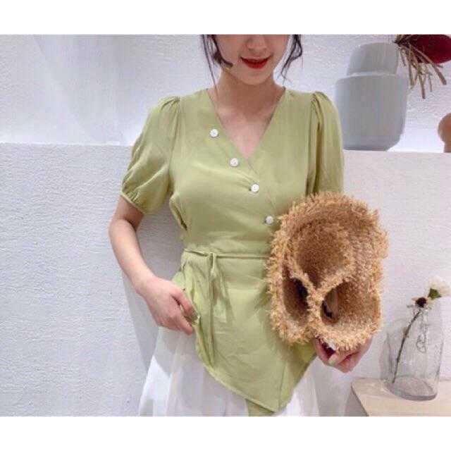เสื้อเกาหลีสีเขียวอ่อนๆ กระดุม