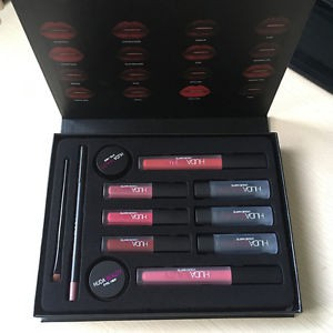 New Huda Beauty 12 in 1 makeup Persistent Cosmetic Sets