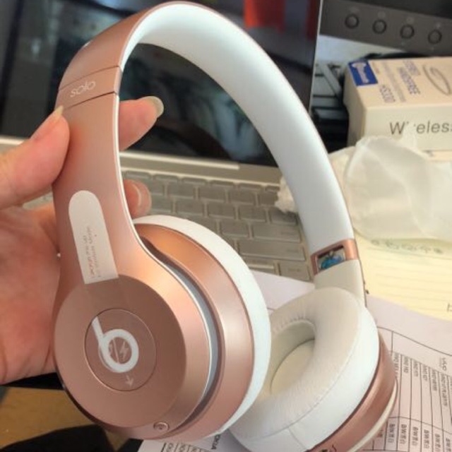 Beats Solo3 Wireless On Ear Headphones Rose Gold And Black Special Edition Shopee Malaysia