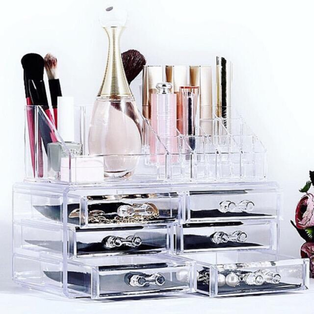 Clear Acrylic Makeup Case Storage