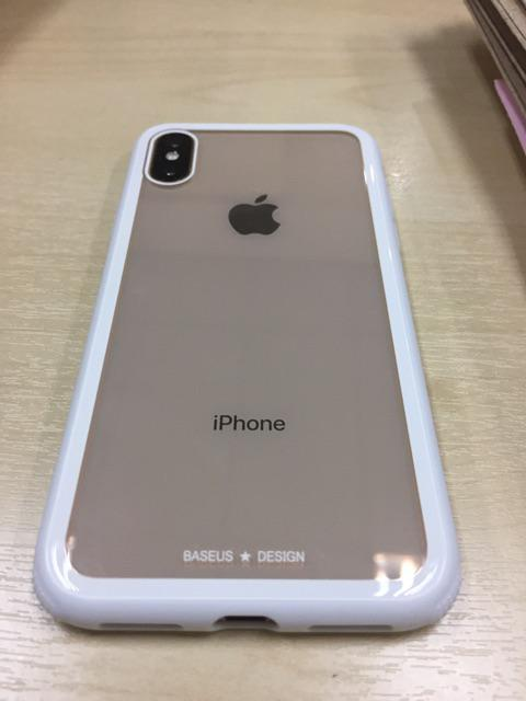 ... case to me last week Friday and them Saturday courier correct iPhone X's case to me and free give me 1 iPhone cables. Good seller .