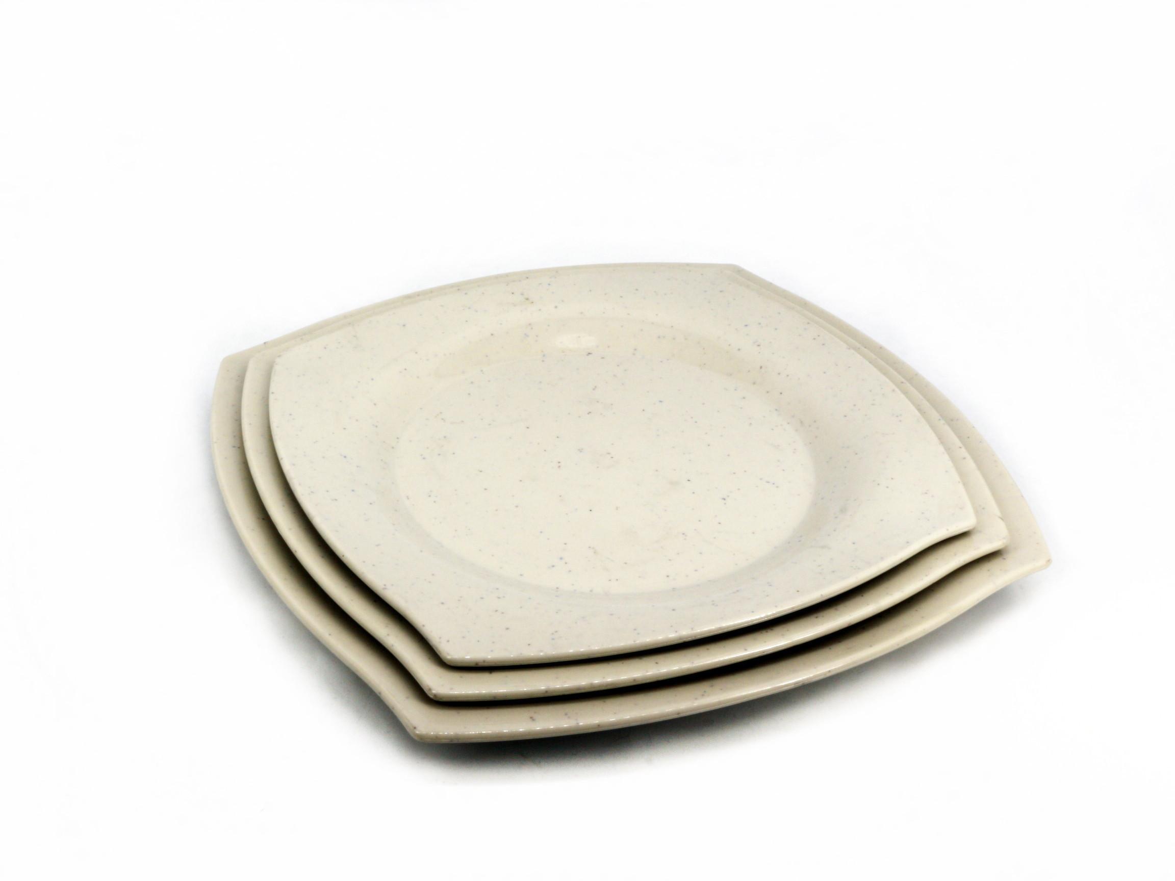 Toyogo Dining plate set A of 3 / piring 3 dalam 1 (27.8 x 27.8 cm, 25,0 x 25,0 cm, 23.0 x 23.0 cm)