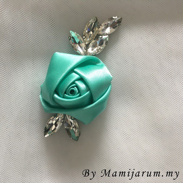 BeeBlinG Iron On Chunky Beads Mix Bunga 3D (D09) RM 3.50 / PCS
