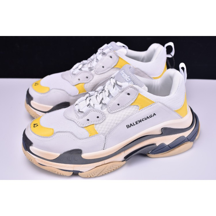 f5679392af00 Ready stock balenciaga triple-s men and women shoes fashion casual gym shoes