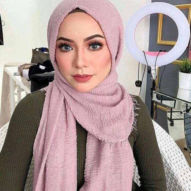 Hasil gambar untuk 6. Esarp hijab style