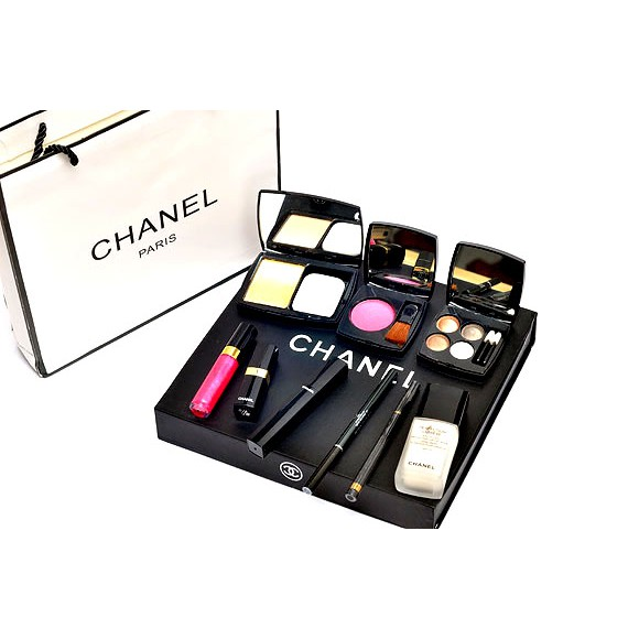 (New) Chânel 9 in 1 Make up set collection