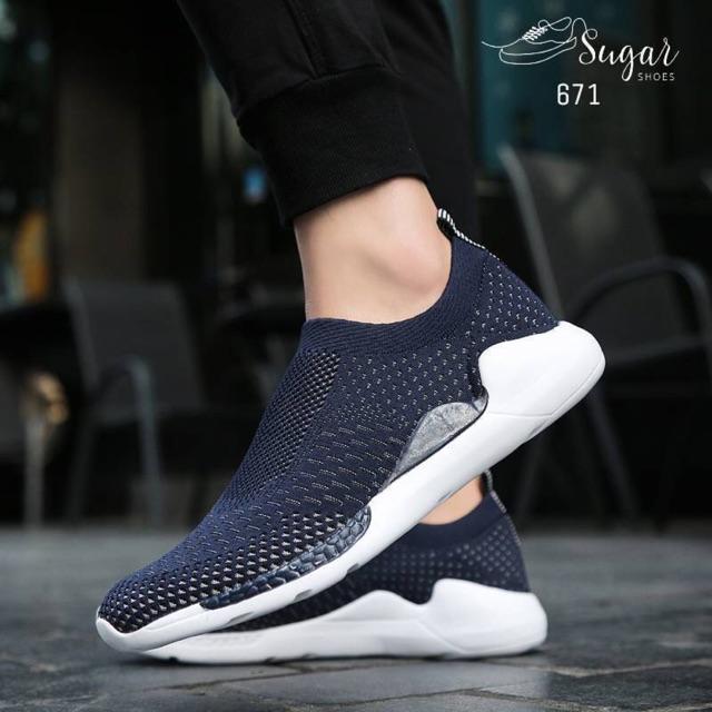 671 รองเท้าผ้าใบผู้ชาย ทรง sneaker ยอดฮิต ผ้ายืดทอตาข่ายอย่างดีแบบ flyknit ผ้ายืดหย