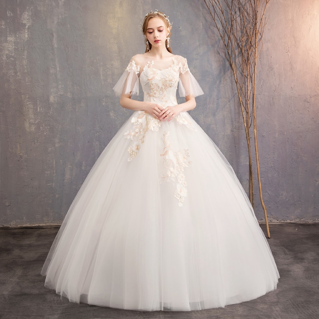 Women S Plus Size Wedding Dress 2019 New Champagne Lace Horn Sleeve Bride Floor Length Wedding Gowns