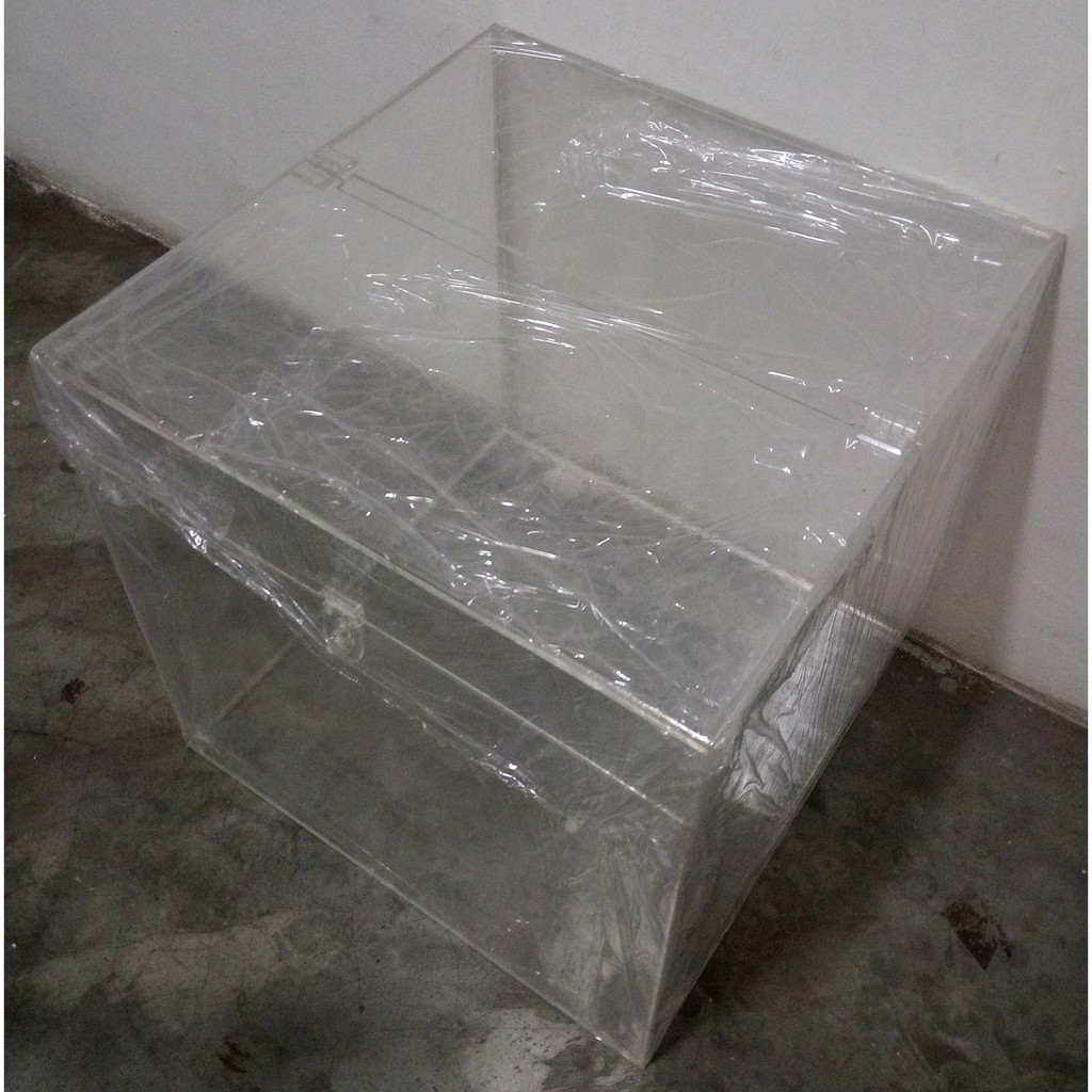 15 x 15 x 15in Acrylic Tender Box With Top Centre Hinges With Pad-Lock Latch, 3.0mm