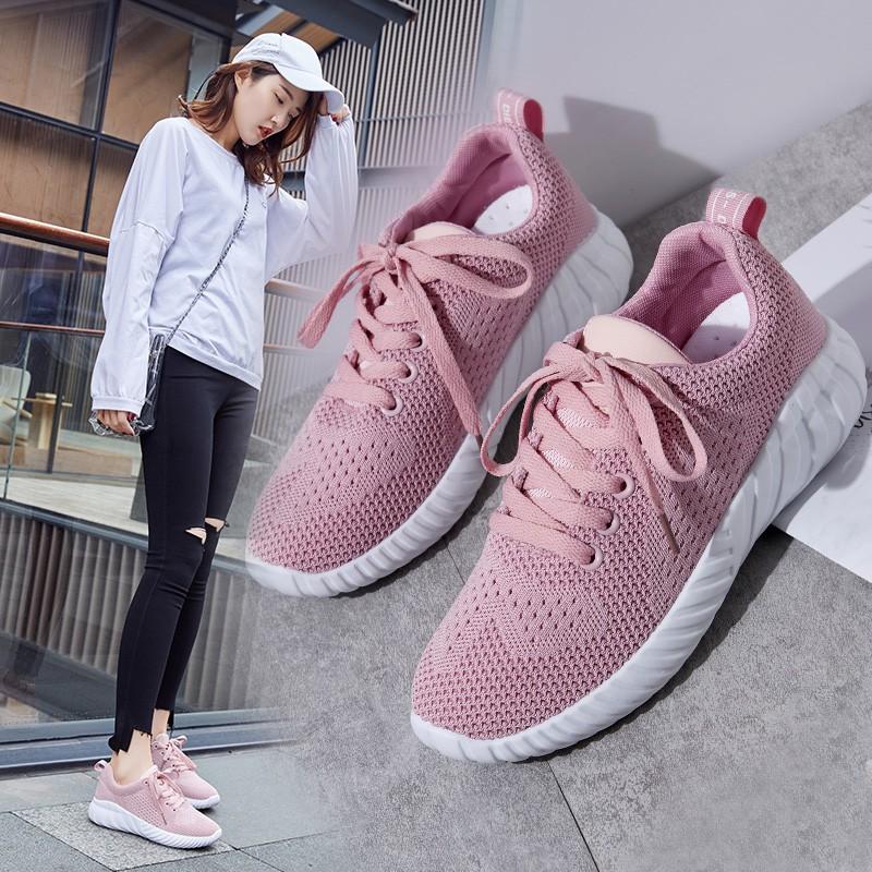 【สต็อกพร้อม】EU35-40 บินทอตาข่ายรองเท้าสีขาวรองเท้าลำลองรองเท้าวิ่ง รองเท้า รองเท้าแฟชั่น รองเท้า