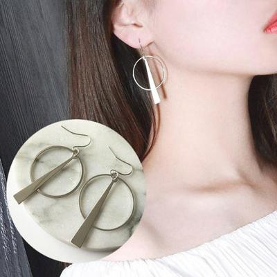 2d4e519aef56c Korean simple retro long geometric circle earrings