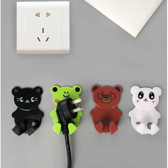 Power Plug Hook Holder Power Cord Plug Seamless Strong Adhesive Electrical Wire Plug Wall holder