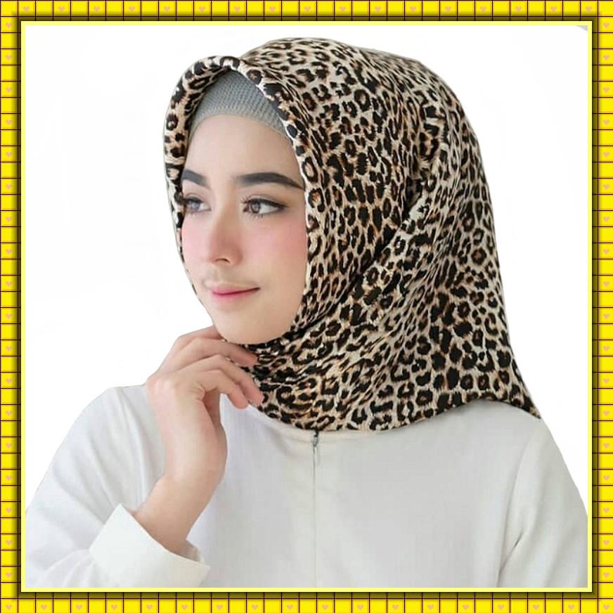 Tudung Bawal Muslim Fashion Hijab Classic Leopard Print 90 x 90 cm