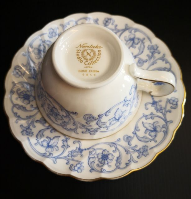 . Noritake The Vitry teacups and saucers set of 3