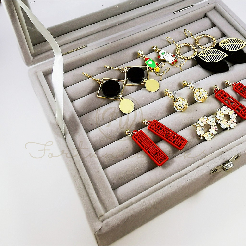 FORTUNEWORKS Premium Glass Jewellery Storage/Display Box for Rings Earrings Transparent