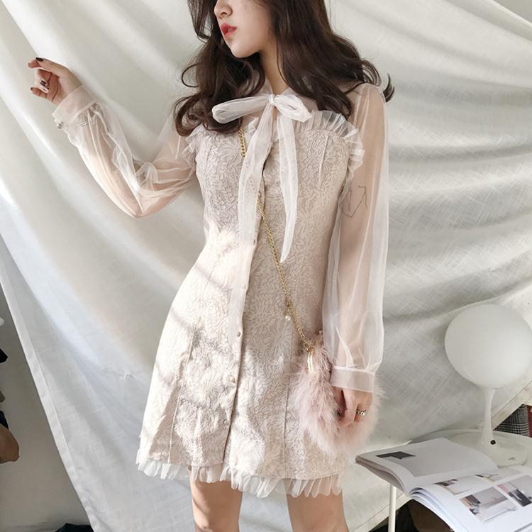 2019 Summer New White Europe and V Neck Openwork lace lace Sleeveless Dress Female was Thin A Word Skirt White