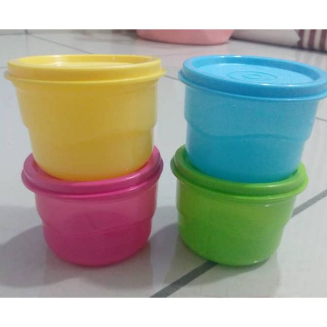 Tupperware snack cup set of 4