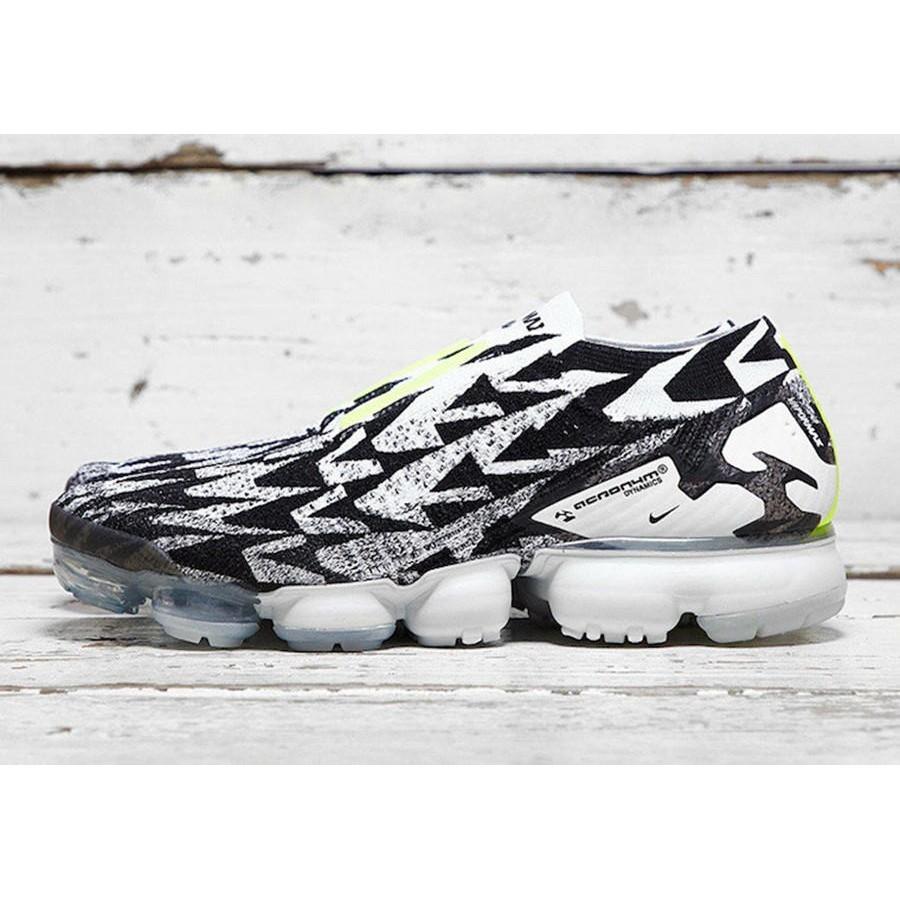 the best attitude 779ff d4558 Mens Acronym x Nike VaporMax Moc 2 Shoes Light BoneLight Bone-Black AQ0996- 001  Shopee Malaysia
