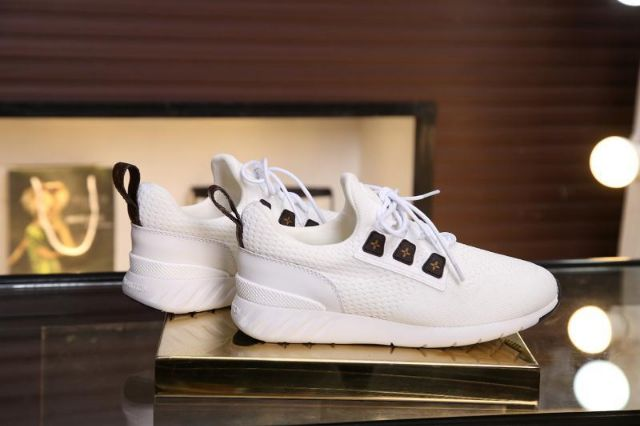 LVS2020 New Fashion Sneakers / Leisure Comfort Shoes / Stretch Fly Mesh Shoes