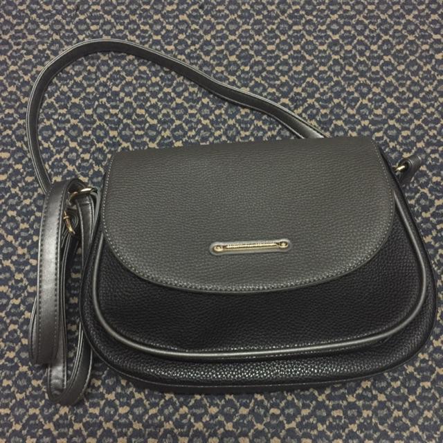 c541e3a1693 Benedetti Polo Creation sling handbag   Shopee Malaysia