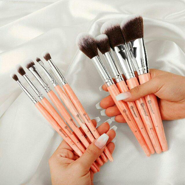Rose Romance 12 Piece Brush Set by BH Cosmetics #8