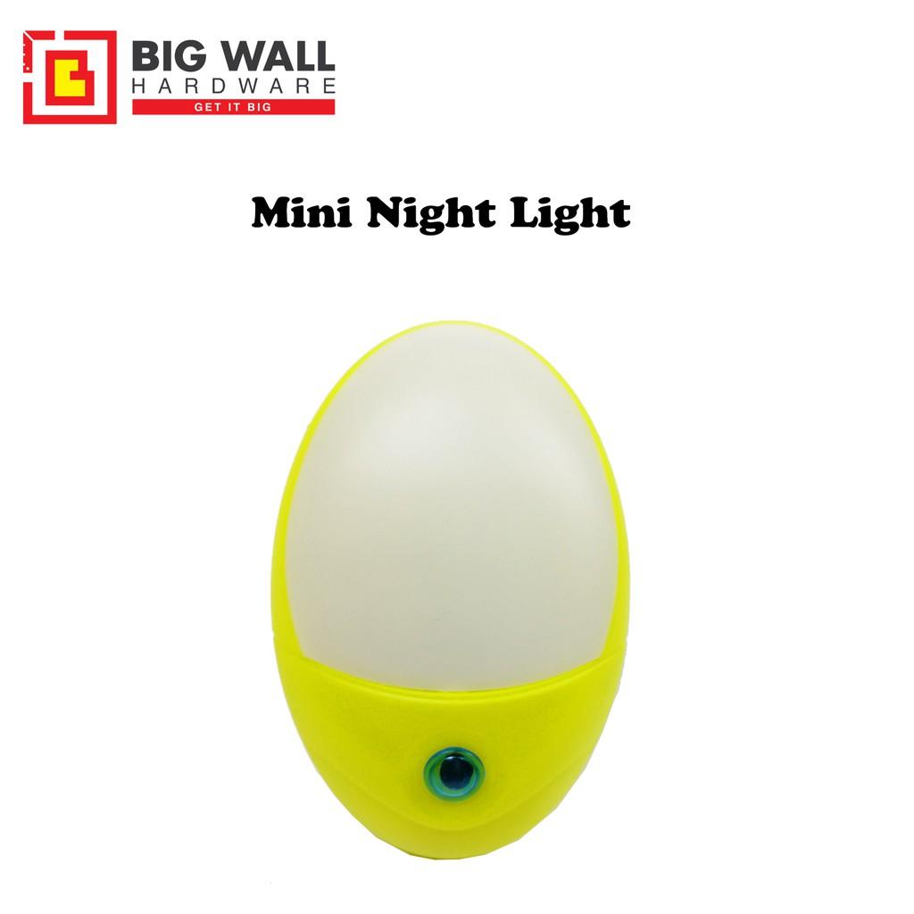 Mini LED Night Lamp (Automatic Night Light - Cat Eye)