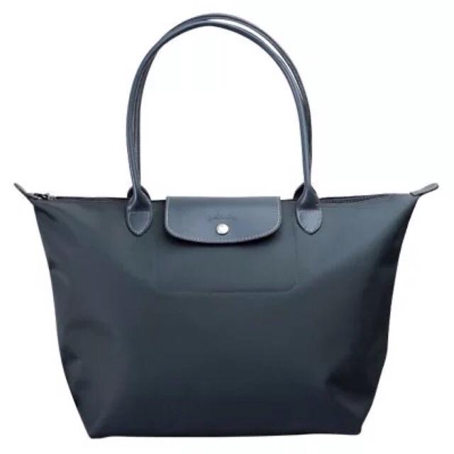 Premium Leather GG Marmont matelassé shoulder bag  6cd4964e87577