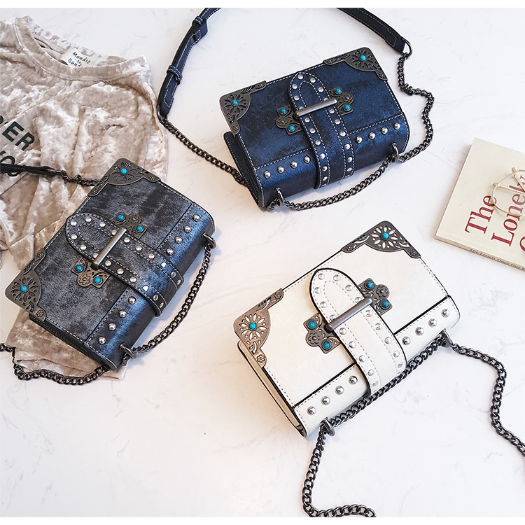 ba853203b865 Oops! Your browser is not compatible with Shopee Video :-( Color rivet  small square box wrapped in stylish single-shoulder chain bag
