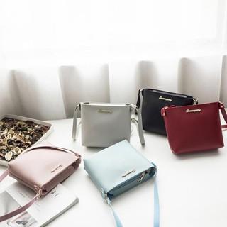 6bba92b41fd3 Buy Handbags Online - Women s Bags