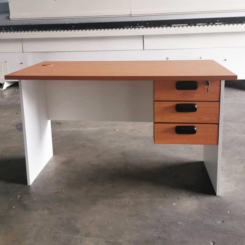 AMBER office desk study desk in melamine surface/ writing desk/ study desk/ meja berlajar