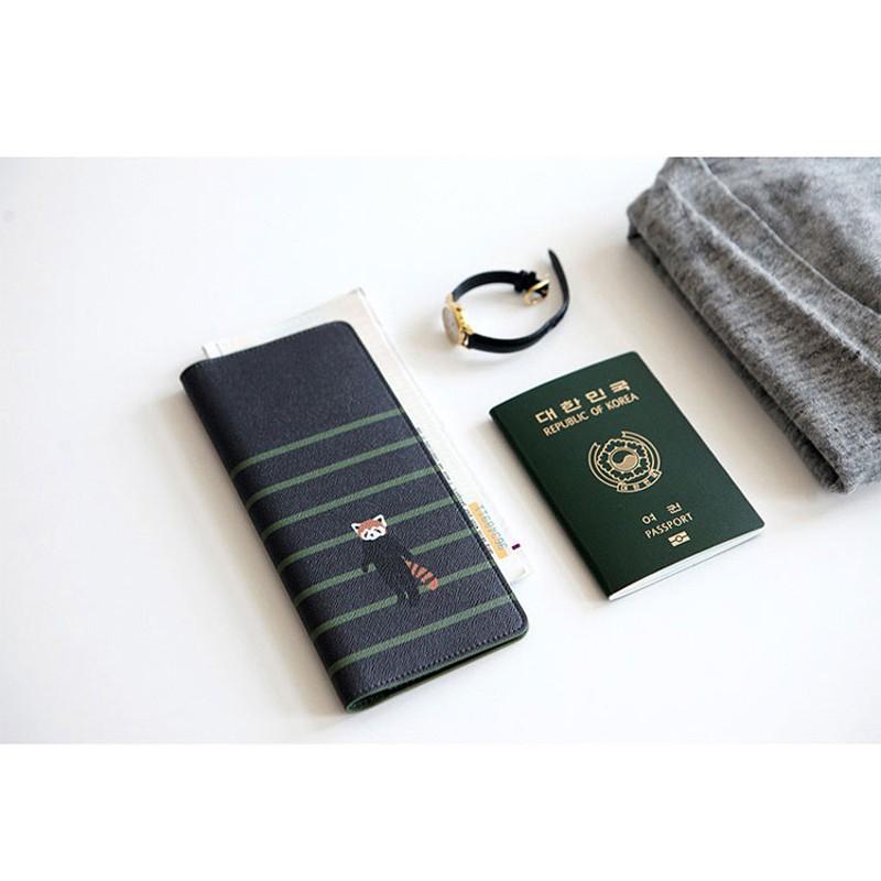 Leopard Rrint Like Iceberg Leather Passport Holder Cover Case Blocking Travel Wallet