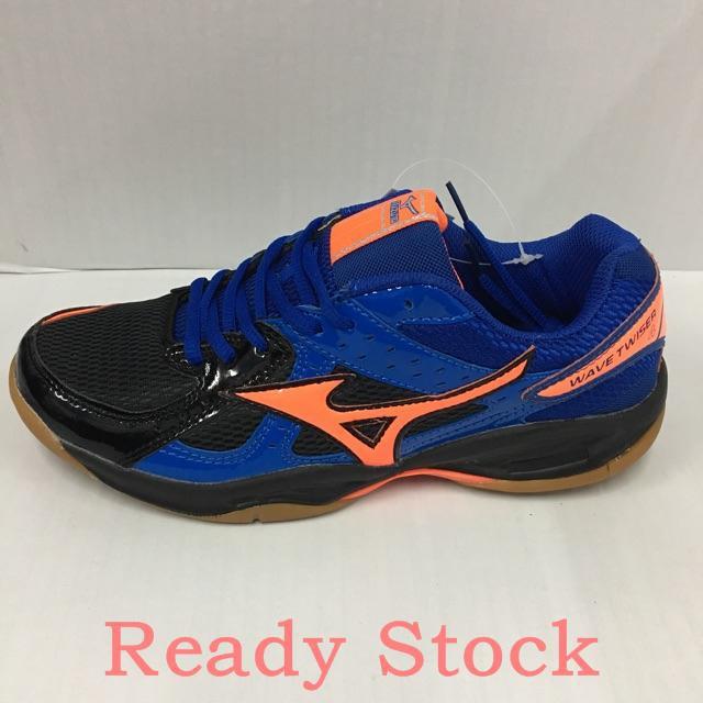 mizuno badminton shoes 2019