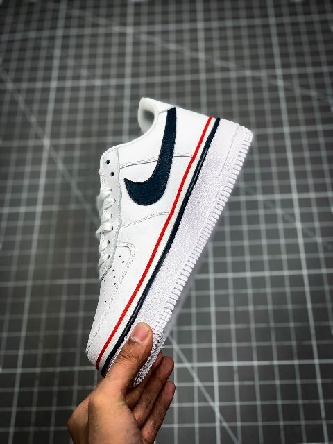 NIKE ADDS A SPORTY RIBBON AROUND THE AIR FORCE 1 LOW PREMIUM