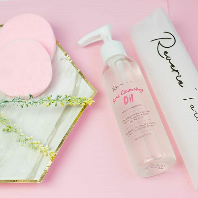Rose Cleansing Oil  10sec make up remover with Rosehip formula  Super  smooth and suitable for all skin types