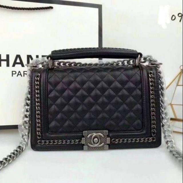 กระเป๋าสะพายข้าง Chanel อะไหล่เงิน หนังคาเวียร์ขนาด 10