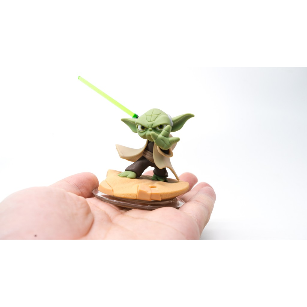 Star Wars Legendary Jedi Master Yoda action figure loose