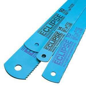 A SPARE PACK OF 10 BLADES 14 BLADES IN TOTAL JUNIOR HACKSAW WITH 4 BLADES